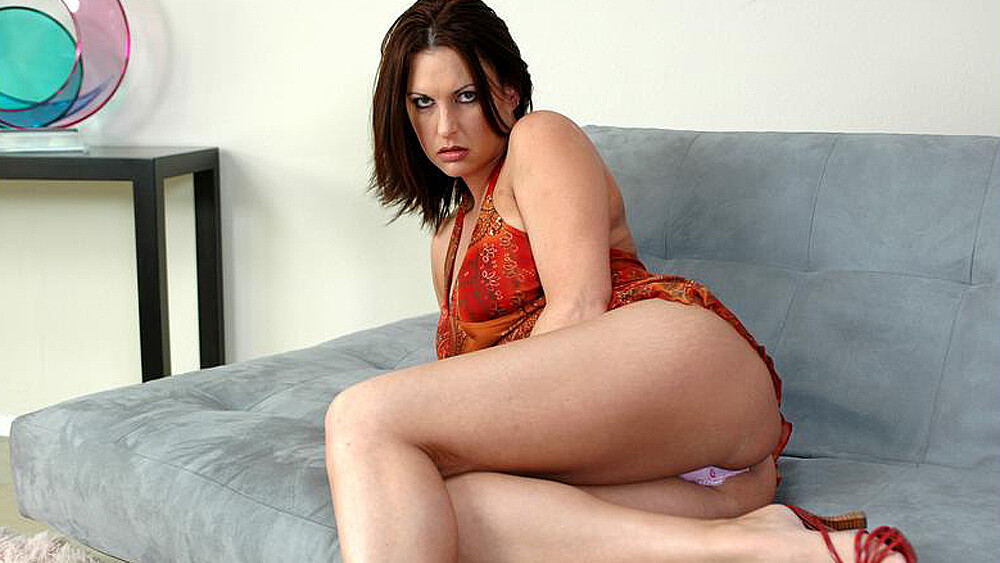 Michele Raven fucking in the couch with her big ass