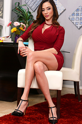 Ariella Ferrera  Model Picture