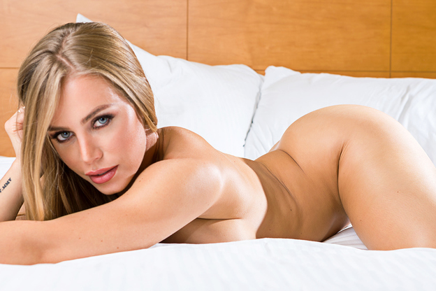 [Tonightsgirlfriend] Nicole Aniston