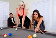 Anna Morna, Gigi Allens & Danny Mountain in 2 Chicks Same Time - Sex Position 1