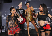Skin Diamond , Bonnie Rotten & Johnny Sins in 2 Chicks Same Time - Sex Position 1
