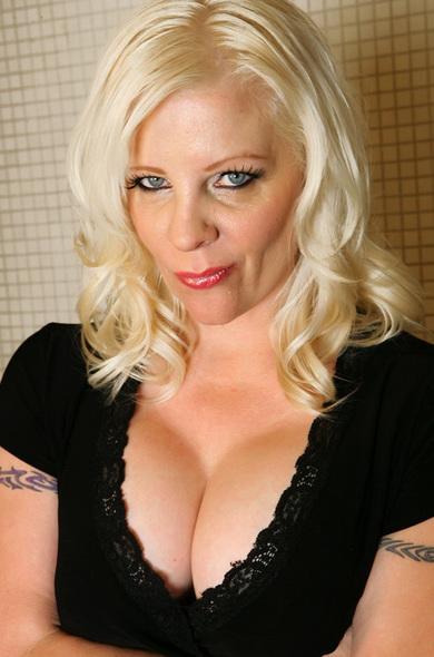 Pornstar Veronica Vaughn - Big Ass videos by Naughty America