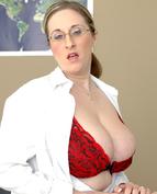 Kitty Lee Porn Videos