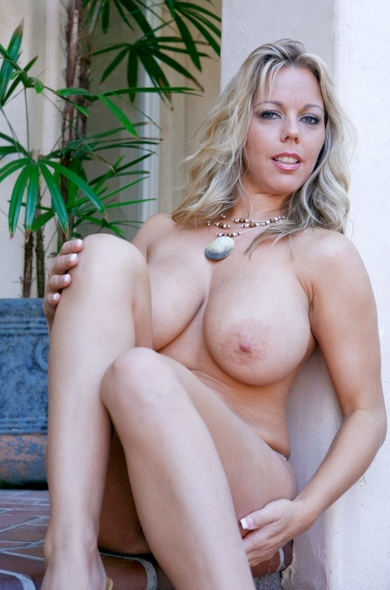 Pornstar Amber Lynn Bach