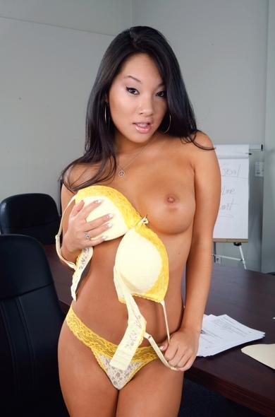 Pornstar Asa Akira - 69 videos by Naughty America