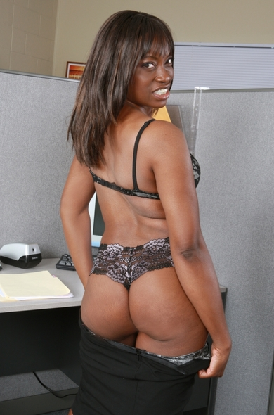 Monique Ebony Porn 2