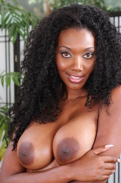 Pornstar Nyomi Banxxx
