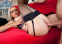 Emma Starr & Danny Wylde in My Dad's Hot Girlfriend - Centerfold