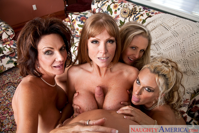Porn star Darla Crane, Deauxma, Holly Halston & Julia Ann giving a blowjob