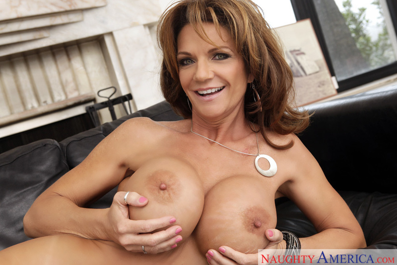 Porn star Deauxma giving a blowjob