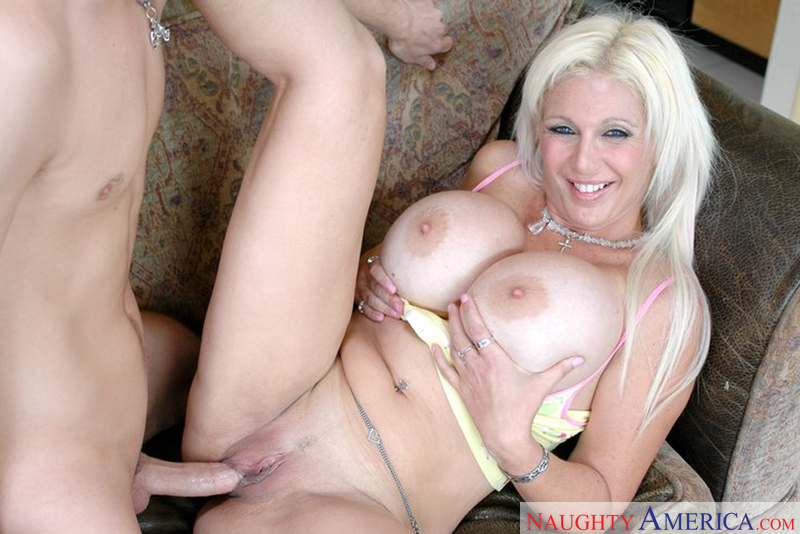 Porn star Mrs. Kupcakes giving a blowjob