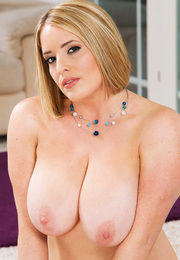 Maggie Green & Johnny Castle in My Friends Hot Mom - Centerfold