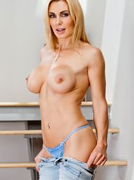 Tanya Tate & Johnny Castle in My Friends Hot Mom - Centerfold