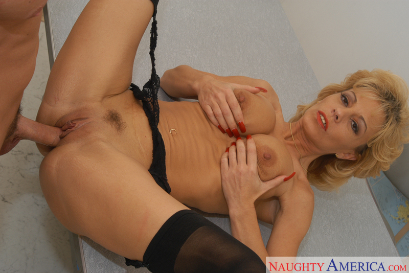 Sexy phat booty latina tube