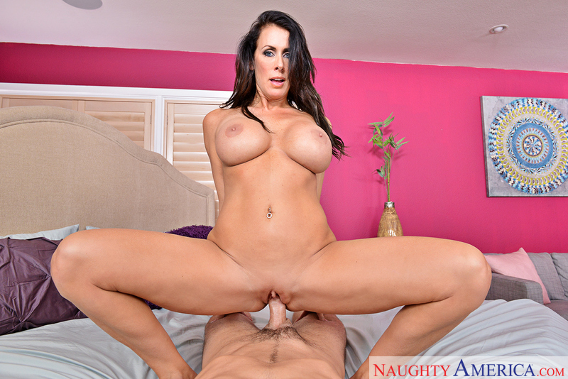 REAGAN FOXX, CHARLES DERA – Naughty America – Virtual Reality
