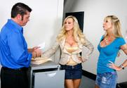 Amber Lynn & Morgan Ray & Cheyne Collins in Naughty Office