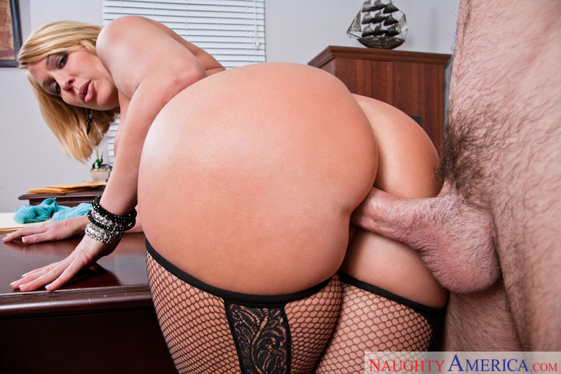 Porn star Mellanie Monroe giving a blowjob