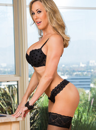 Brandi Love & Johnny Sins in Seduced by a cougar - Centerfold