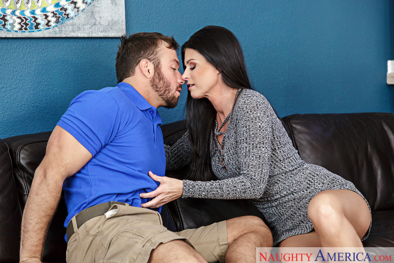 Naughtyamerica – India Summer & Chad White in Seduced By A Cougar