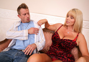 Karen Fisher & Bill Bailey in Seduced by a cougar - Sex Position 1