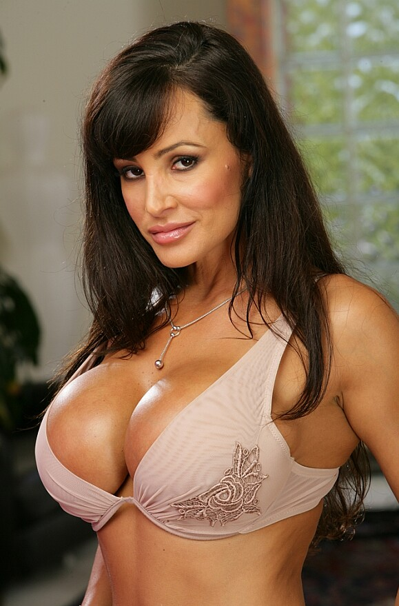 Lisa Ann - xxx pornstar in many Petite & Ass smacking & Creampie videos