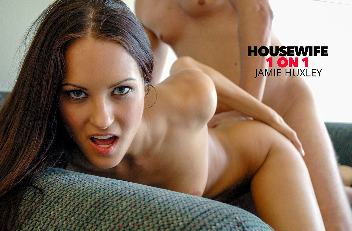 Watch Jamie Huxley and Christian American video in Housewife 1 on 1