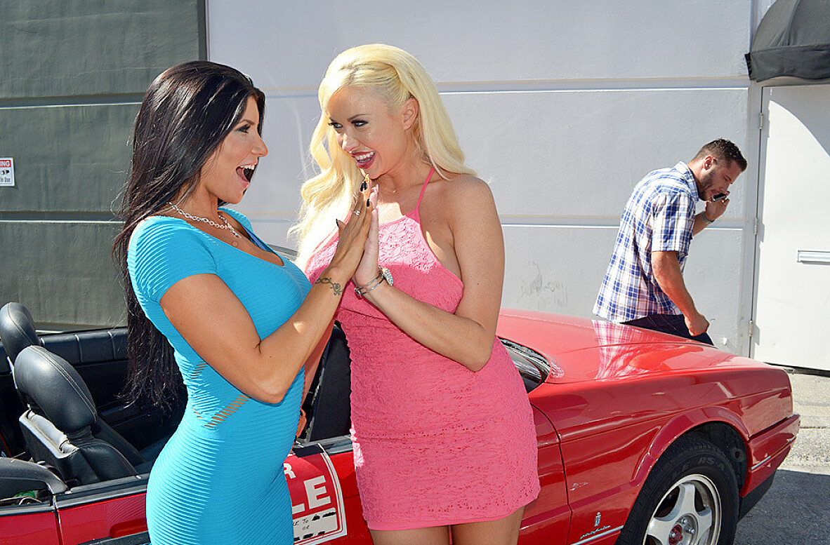Watch Romi Rain, Summer Brielle and Danny Mountain 4K video in My Dad's Hot Girlfriend