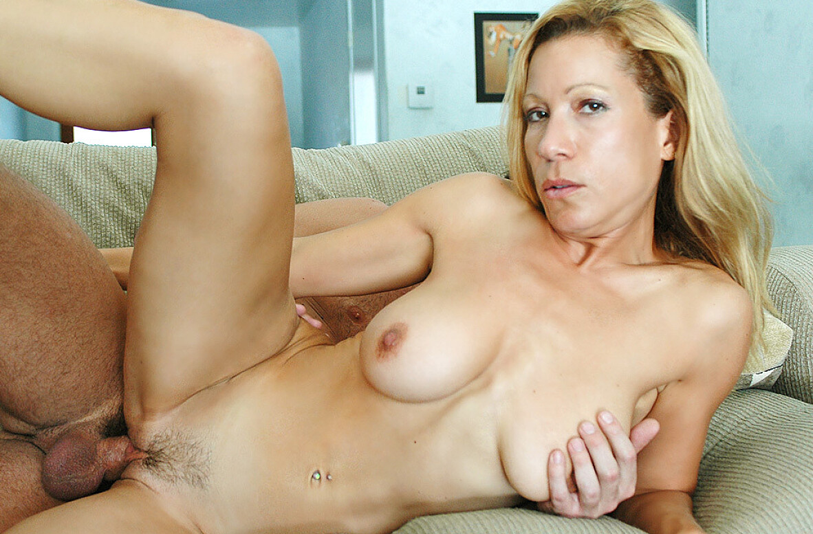 Watch Kimmie Morr and Will Powers video in My Friend's Hot Mom
