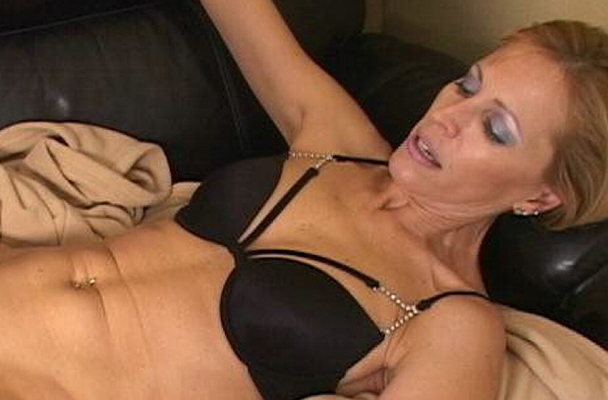 Watch Nicole Moore and Trent Soluri video in My Friend's Hot Mom