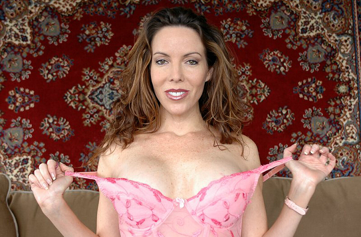 Watch Paige Rene and Kyle Moore video in My Friend's Hot Mom