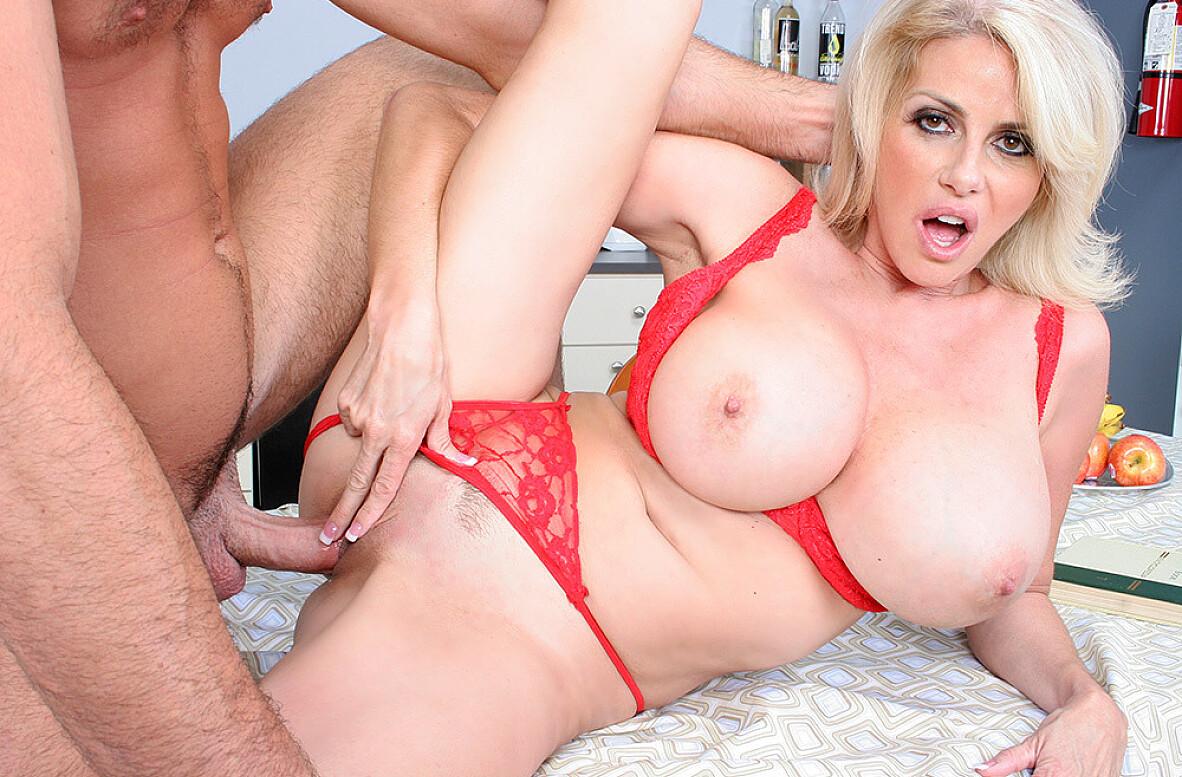 Penny Porsche anaali porno