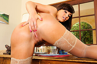 Bad girl Lisa Ann fucking in the desk with her outie pussy - Sex Position 1