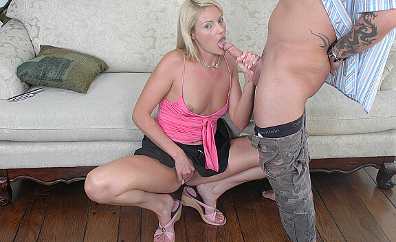Samantha Ryan fucking in the couch with her average body - Sex Position #5
