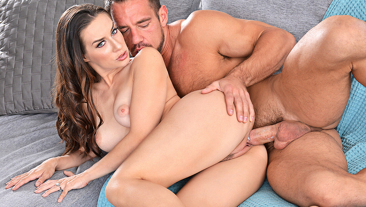 Cassidy Klein fucking in the living room with her hazel eyes