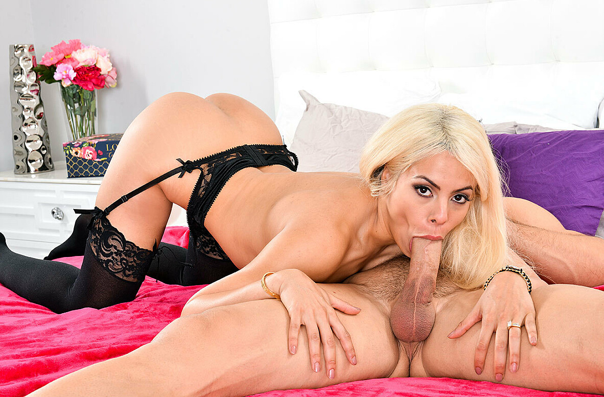 Watch Luna Star and Johnny Castle 4K video in Dirty Wives Club