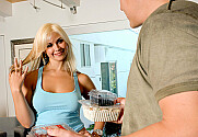 Sarah Vandella & Jerry in Neighbor Affair