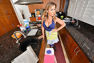 Aubrey Black fucking in the kitchen with her tits vr porn - Sex Position 1