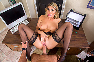 August Ames fucking in the desk with her medium ass vr porn - Sex Position 4