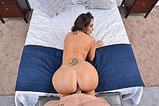 Ava Addams fucking in the bedroom with her tits vr porn - Sex Position 2
