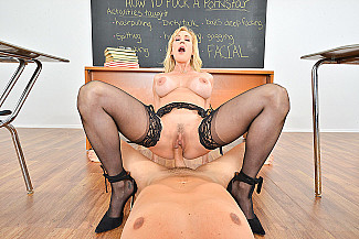 Brandi Love fucking in the chair with her tits vr porn - Sex Position 2