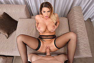 Brooklyn Chase fucking in the bed with her tits vr porn - Sex Position 3