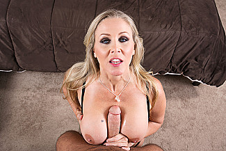 Julia Ann fucking in the bed with her tits vr porn - Sex Position 3