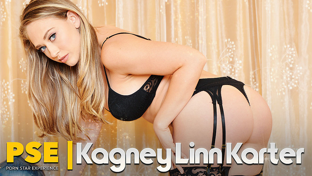 Click here to play She knows what she's doing: VR porn with Kagney Linn Karter VR porn