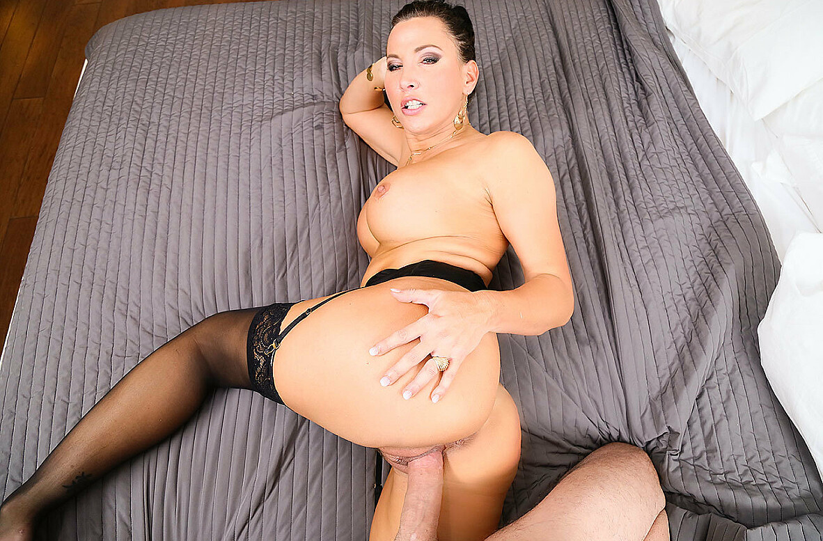 Watch Lezley Zen and Sean Lawless 4K video in Naughty America