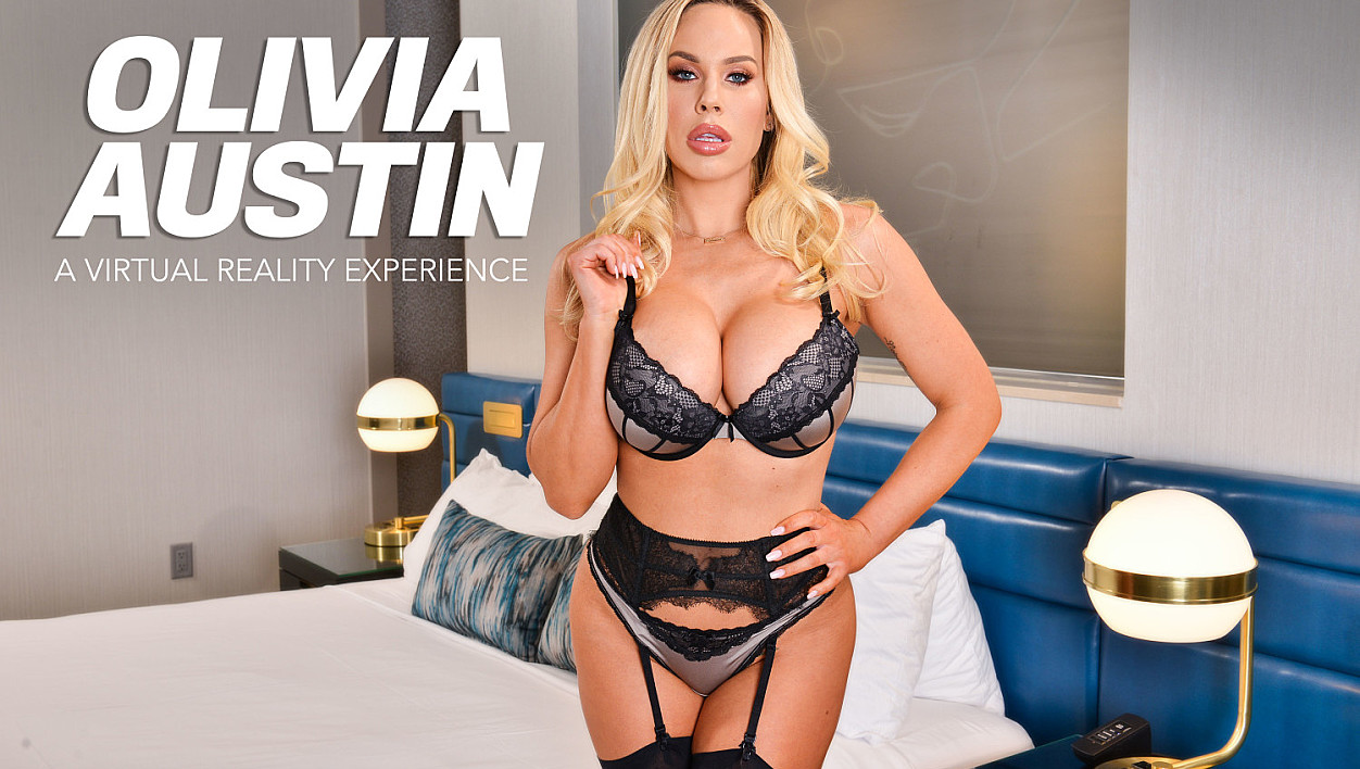 Olivia Austin Fucks you in VR!!!