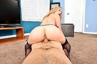 Riley Reyes fucking in the living room with her blue eyes - Sex Position 4