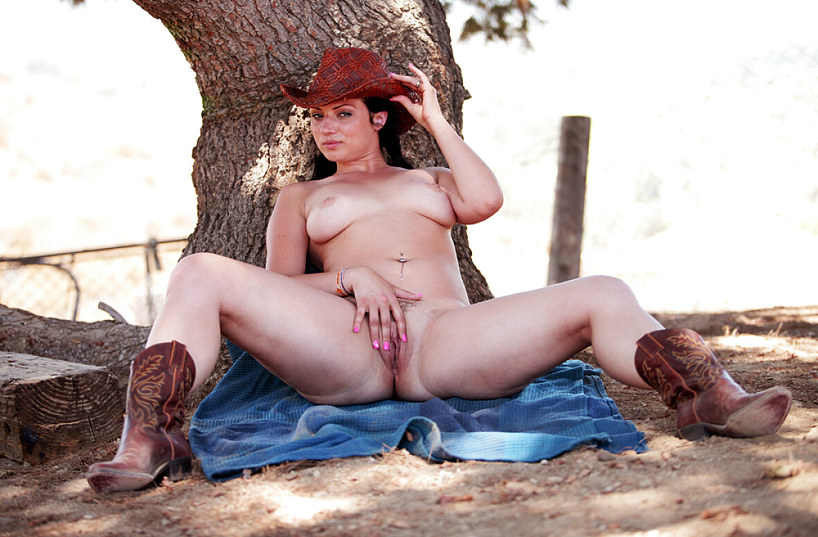 Watch Ava Rose and Otto Bauer video in Naughty Country Girls