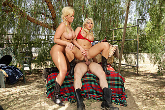 Brooke Haven fucking in the outdoors with her big tits - Sex Position 3