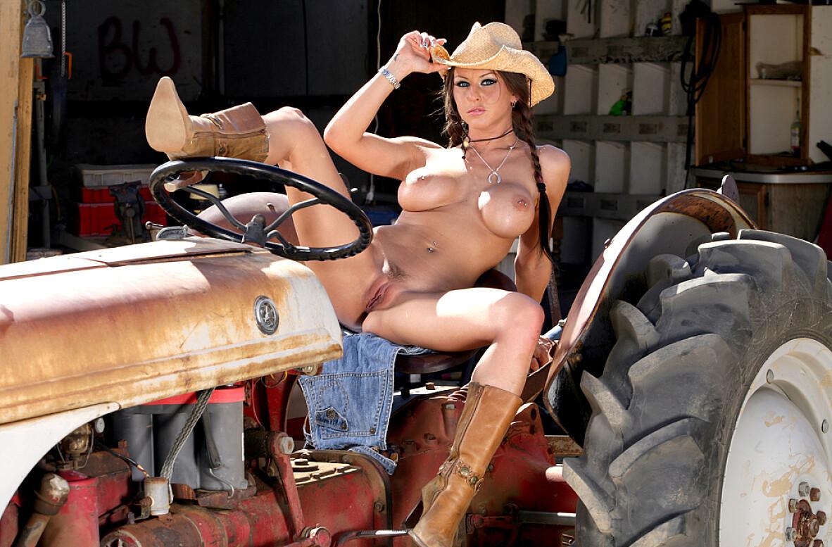 porno-foto-v-traktore-ili-v-kombayne-negrityanka-poluchaet-orgazm