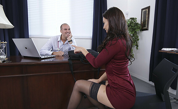 Bad girl Aidra Fox fucking in the desk with her bubble butt - Sex Position #1
